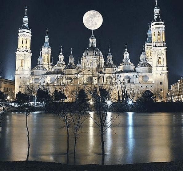La gran Luna. Foto de @mariapilarferreirolopez